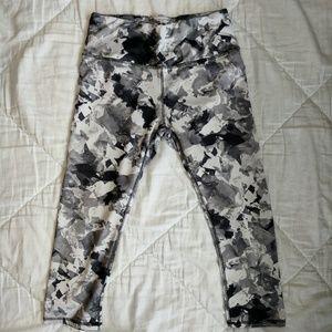 RBX Lumen Paper Flower Print Capri Leggings Medium